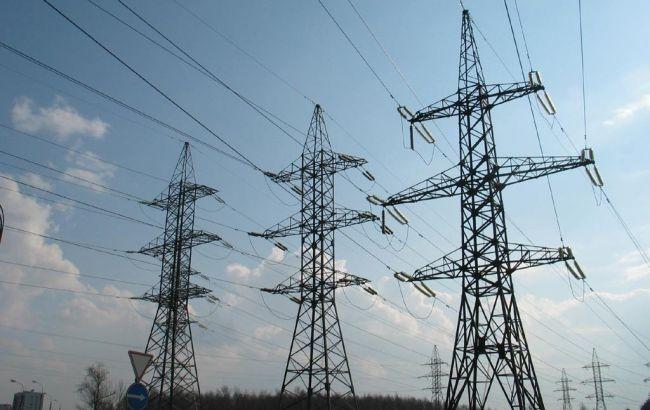 """""""Укренерго"""" допускає відключення електроенергії в Криму в нічний час"""