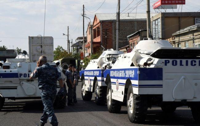 Фото: спецслужбы полиции в Ереване