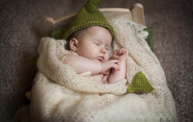Фото: Новонароджена дитина (pinterest.com)