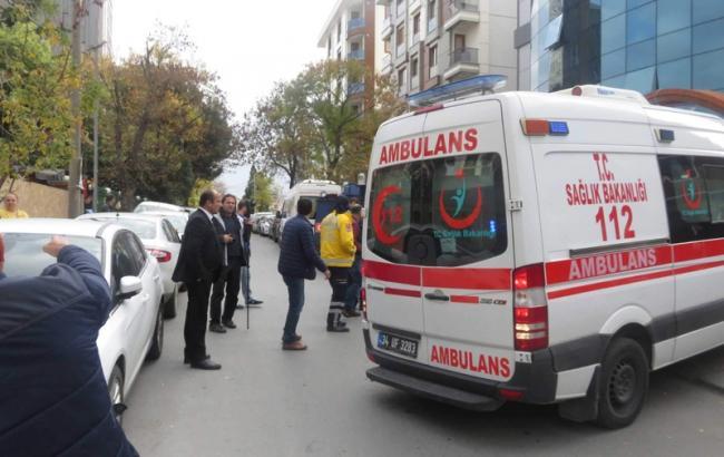 Вофисе одной изкомпьютерных компаний Стамбула взорвалась посылка