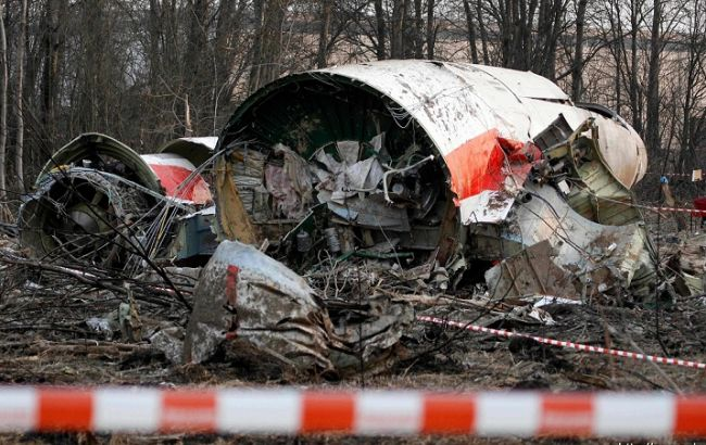 Фото: уламки літака Ту-154М, що розбився під Смоленськом