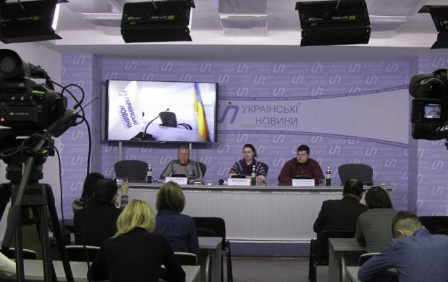 АТБ продолжает развивать бизнес на оккупированных территориях, - политолог