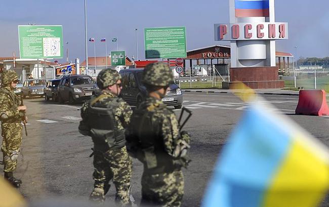 Пока Украина готова показывать свое недовольство Россией, но не подкреплять это введением виз (фото - УНИАН)
