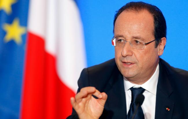 Олланд допускає поетапне зняття санкцій з РФ