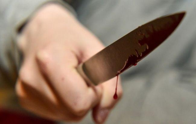 Фото: нападающий с ножом задержан