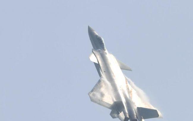 Фото: винищувач п'ятого покоління J-20