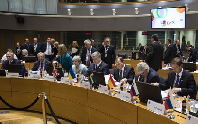 """Фото: Порошенко на саммите """"Восточное партнерство"""" (resident.gov.ua)"""