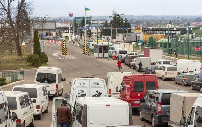 На кордоні з Польщею застрягли сотні автомобілів