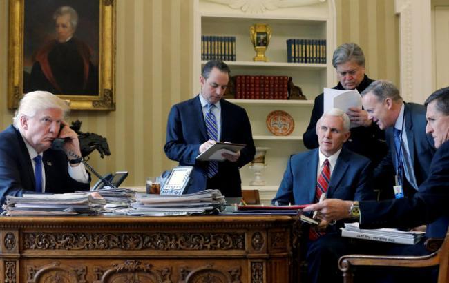 Фото: помічники Трампа могли контактувати з розвідкою РФ до виборів