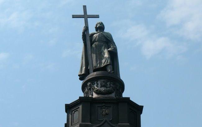 Фото: Памятник Владимиру Великому в Киеве