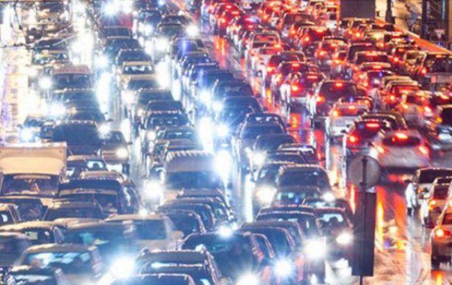 Фото: в Киеве 7-бальные пробки
