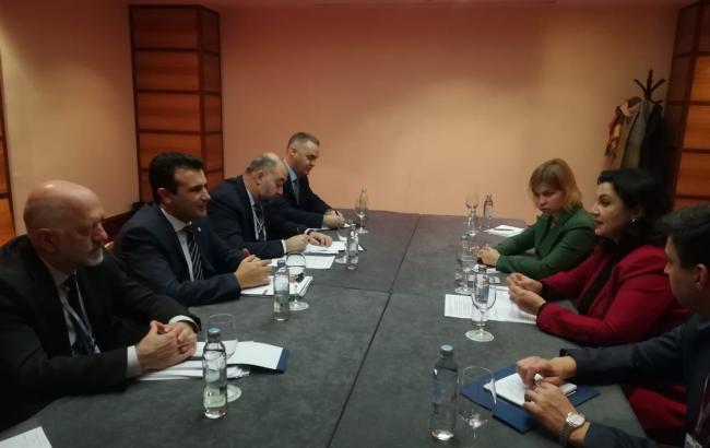 Украина призывает Македонию ввести санкции против России
