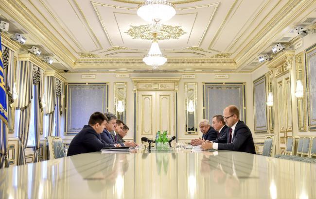 Фото: Порошенко встретился с министром иностранных дел Беларуси Макеем