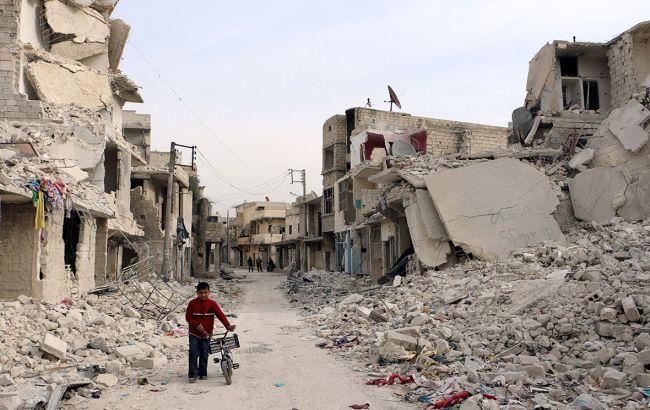 """Фото: восточное Алеппо превращается на """"гигантское кладбище"""""""