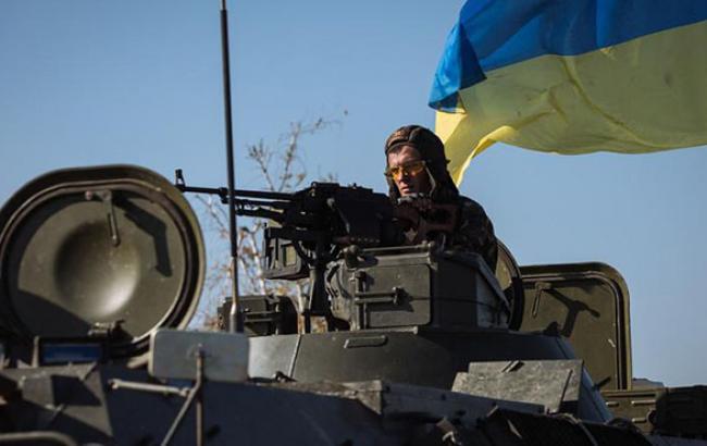 В зоні АТО під час виконання спецзавдання помер 1 український військовий та 4 отримали поранення, - прес-центр