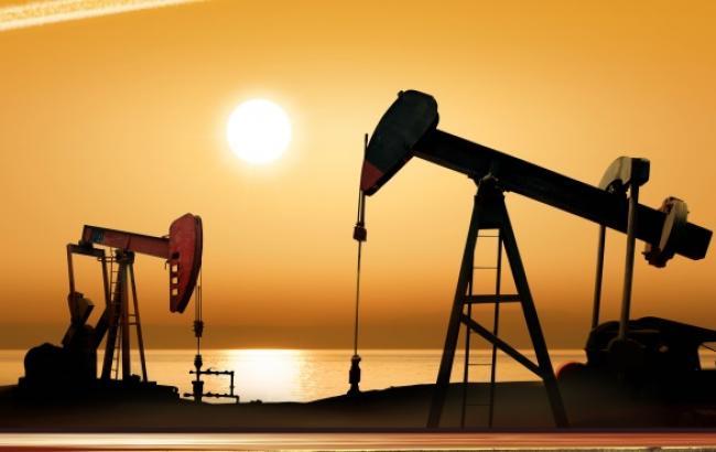 Цена на нефть Brent упала ниже 52 долл./баррель