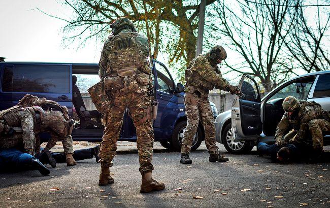 Полулегальный оборот: откуда террористы в Украине берут арсеналы оружия
