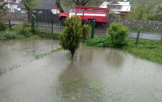 В Івано-Франківській області затопило житлові будинки