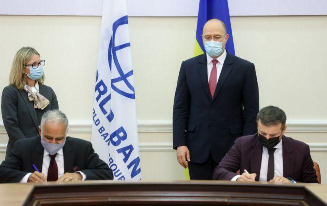 Украина взяла два кредита в МБРР на 411 млн долларов: на что потратят