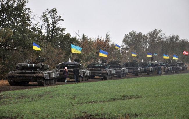 Фото: відвід танків ЗСУ