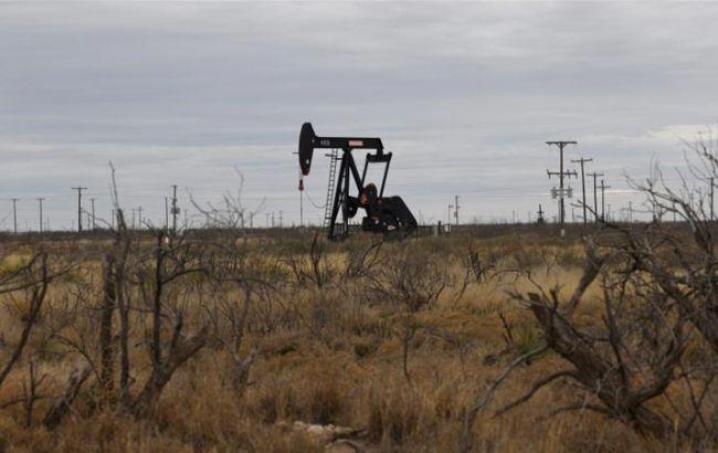 Нафта в США торгується нижче нуля після рекордного обвалу