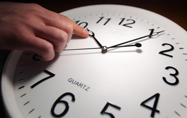 Как отмена перевода часов повлияет на каждого из нас: мифы и правда