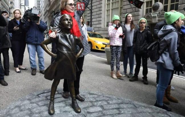 8 березня: На Уолл-стріт встановили пам'ятник сильній дівчинці
