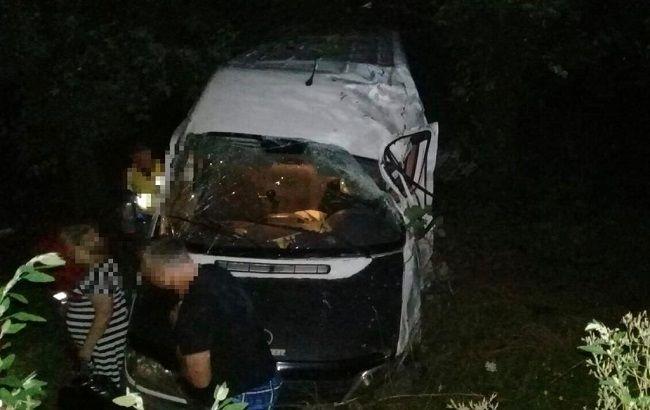В Винницкой области в ДТП с микроавтобусом пострадали восемь человек