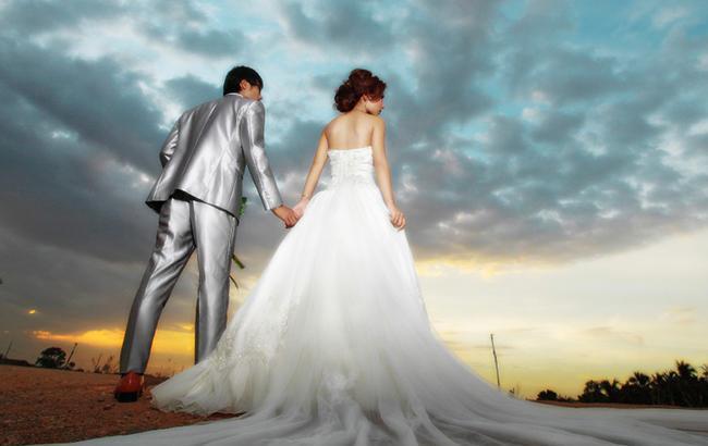 Необычный жених: девушка притворялась мужчиной и дважды женилась