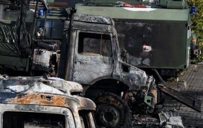 Фото: в Бремені згоріли 15 вантажівок бундесверу
