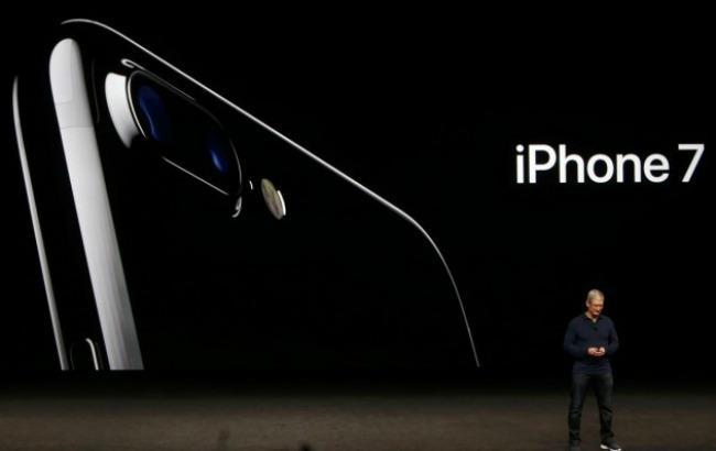 Фото: iPhone 7 в Україні з'явиться в жовтні