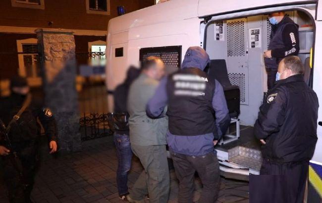 Викрадали людей і здійснювали розбійні напади: на Закарпатті затримали банду