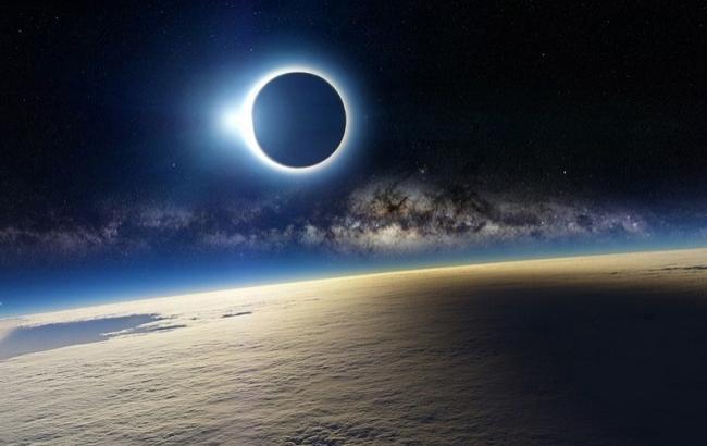 Фото: Затемнення місяця (bagnet.org)