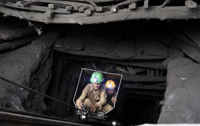 Минэнерго планирует начать процесс приватизации госшахт в апреле 2015 г