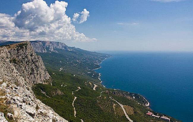Біля берегів Криму зіткнулося два судна, є жертви
