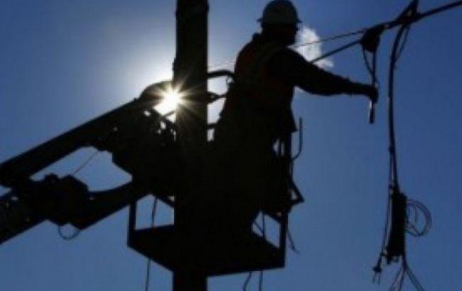 Непогода в Украине: без электроснабжения остаются 35 населенных пунктов