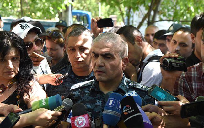 Фото: заместитель начальника полиции Армении Унан Погосян