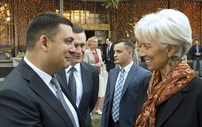 Не все, на чому наполягає МВФ Крістін Лагард, може виконати Володимир Гройсман і уряд