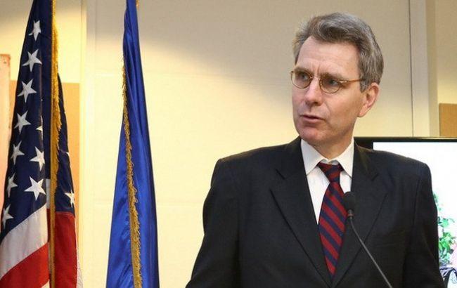 США посилить санкції проти РФ у разі невиконання мінських домовленостей, - Пайетт