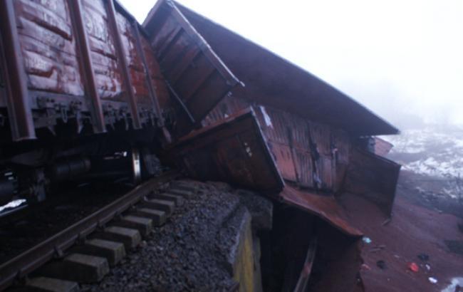 Во Львовской области сошли с рельсов 10 вагонов с железной рудой