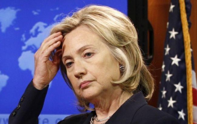 Фото: за версією звинувачення, використання Клінтон приватного сервера електронної пошти сприяли загибелі Сміта і Вудс