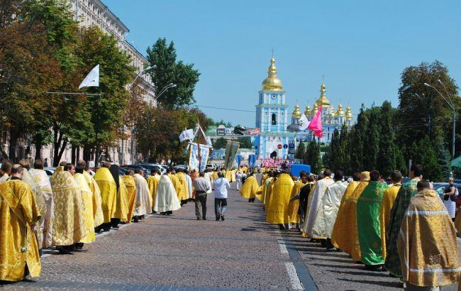Фото: прихильників УПЦ КП в Україні більше, ніж УПЦ МП