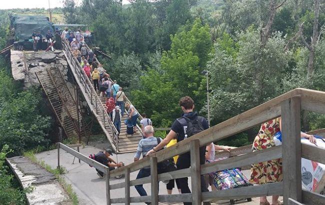 """""""ЛНР"""" снова сорвала работы в районе моста в Станице Луганской"""