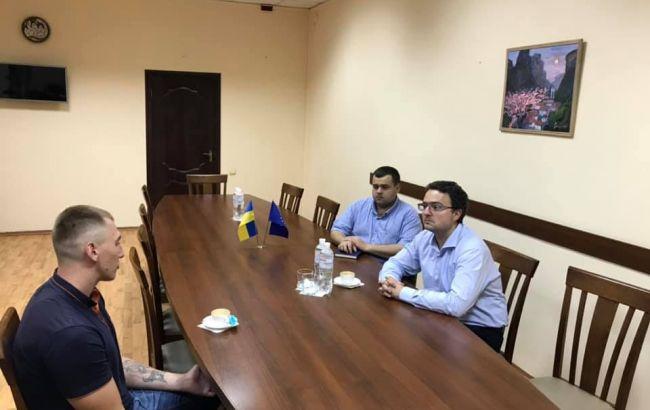 У Криму звільнили українського політв