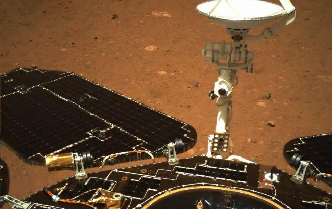 Китай показав фото поверхні Марса, які зробив його зонд