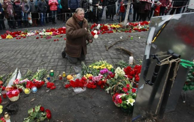 За організацією масових вбивств на Майдані стоїть Янукович і його син Олександр, - МВС