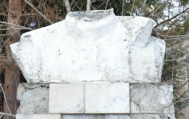 В России разрушили памятник Ленину
