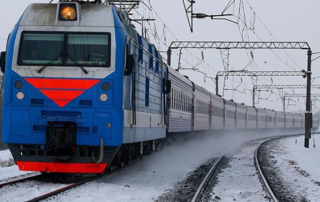 """""""Кримська залізниця"""" скасувала потяги до """"кордону"""" з материковою Україною"""