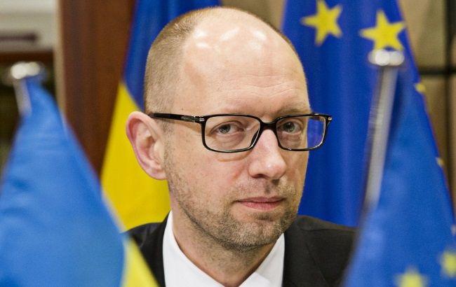 Яценюк попросить Порошенка провести засідання РНБО по Криму