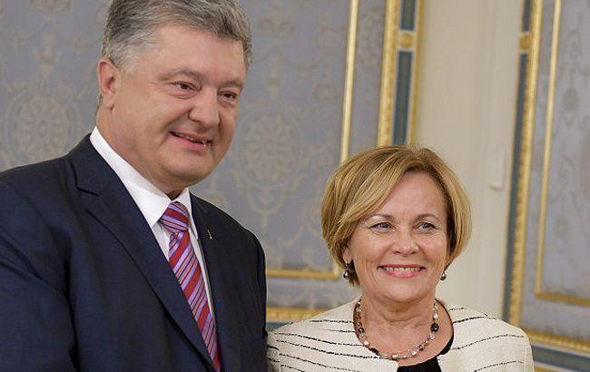 Фото: Петр Порошенко и Раса Юкнявичене (president.gov.ua)
